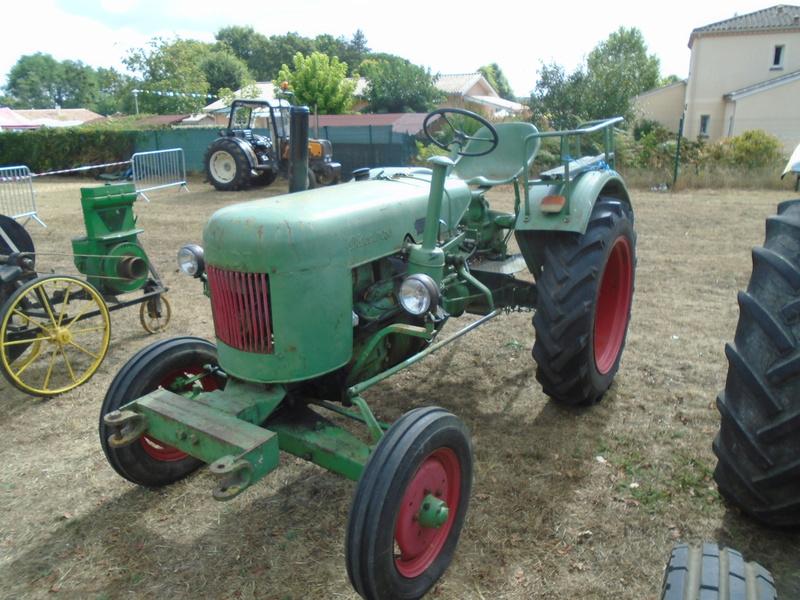Fête de Roaillan (33) exposition tracteurs et voitures anciennes (Aout 2016) Dsc04524