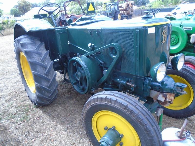 Fête de Roaillan (33) exposition tracteurs et voitures anciennes (Aout 2016) Dsc04527