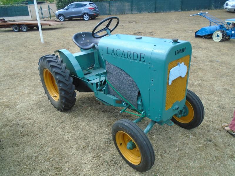 Fête de Roaillan (33) exposition tracteurs et voitures anciennes (Aout 2016) Dsc04615