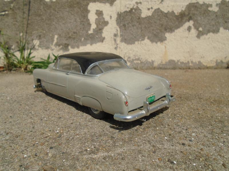 1951 Chevrolet Bel Air - Amt - 1/25 scale Dsc04658