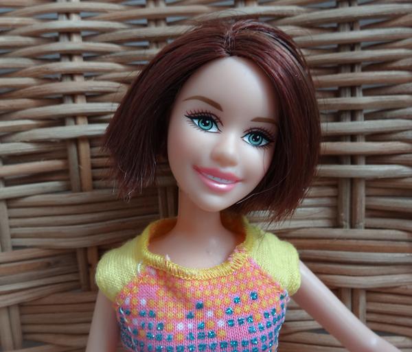 Recherche d'identité des Barbie  - Page 10 711