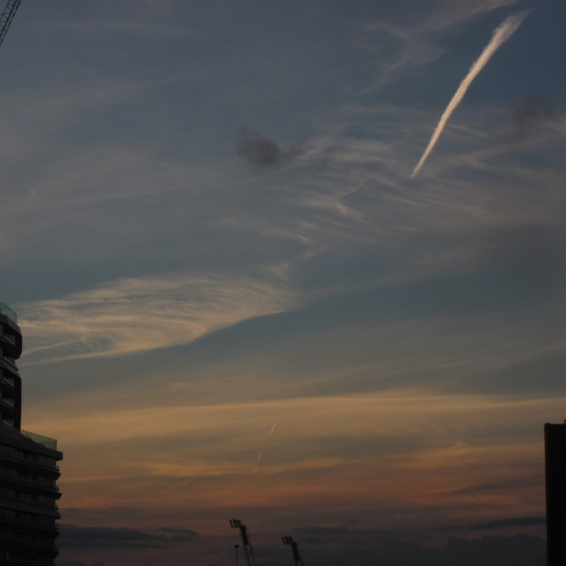 Chemtrailing ruining British summer. Endless rain and thick chemtrails (pictures). Img_5515