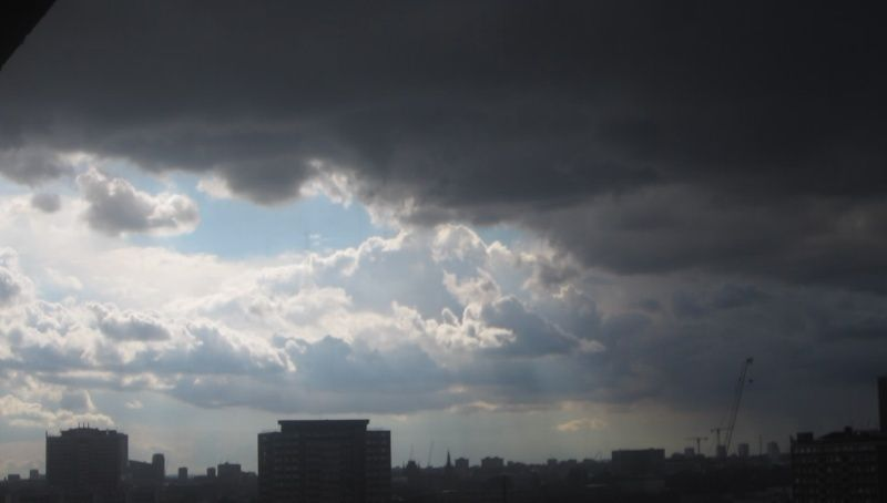 Chemtrailing ruining British summer. Endless rain and thick chemtrails (pictures). Vlcsna11