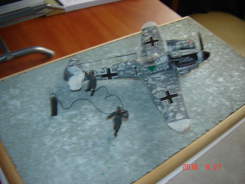 Messerschmidt BF 109 F-4 1:48 Dsc09613
