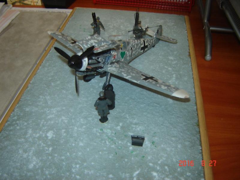 Messerschmidt BF 109 F-4 1:48 Dsc09614