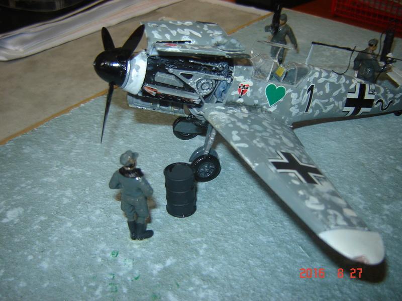 Messerschmidt BF 109 F-4 1:48 Dsc09615