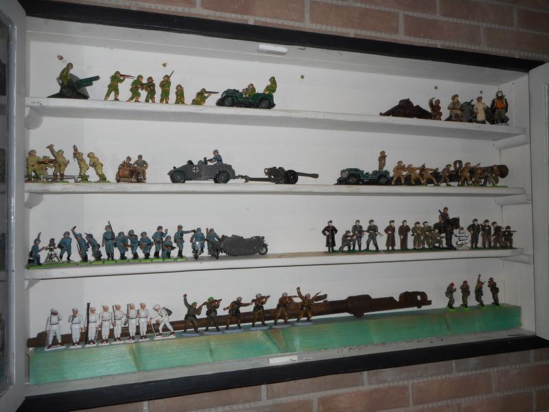 figurines , voitures , fanfares....et autres 00613