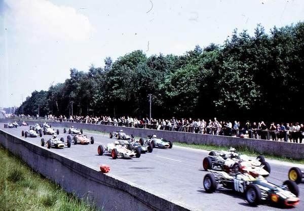 L'autodrome de Linas-Montlhéry - Page 2 Img13710