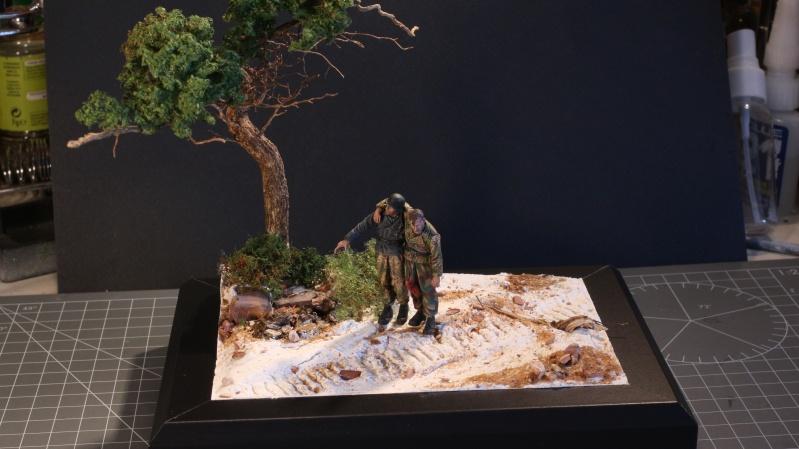 Petite scenette pour mon duo Panzer creew de chez Jaguard au 1/35ème Blessy14