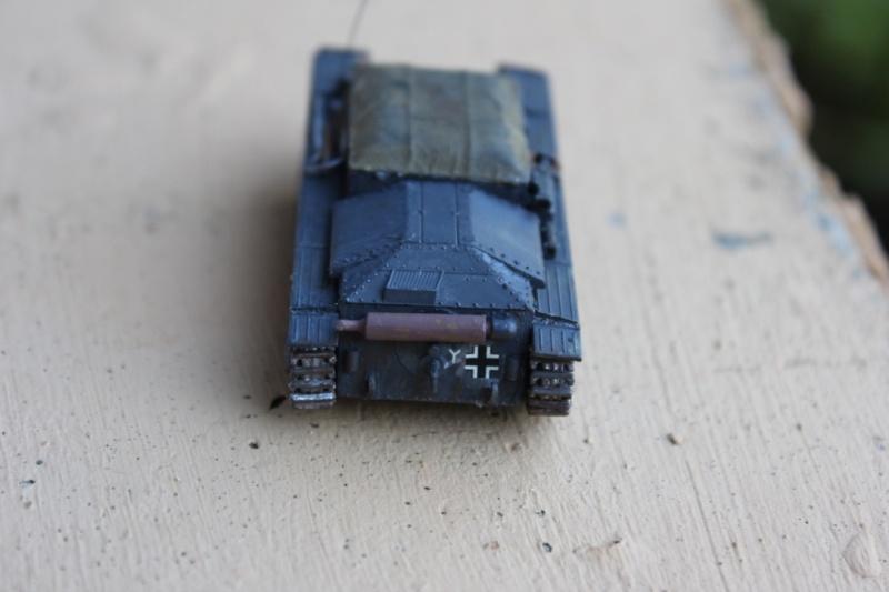Diorama d'un leFH 18 en batterie au 1/72 Thumb117