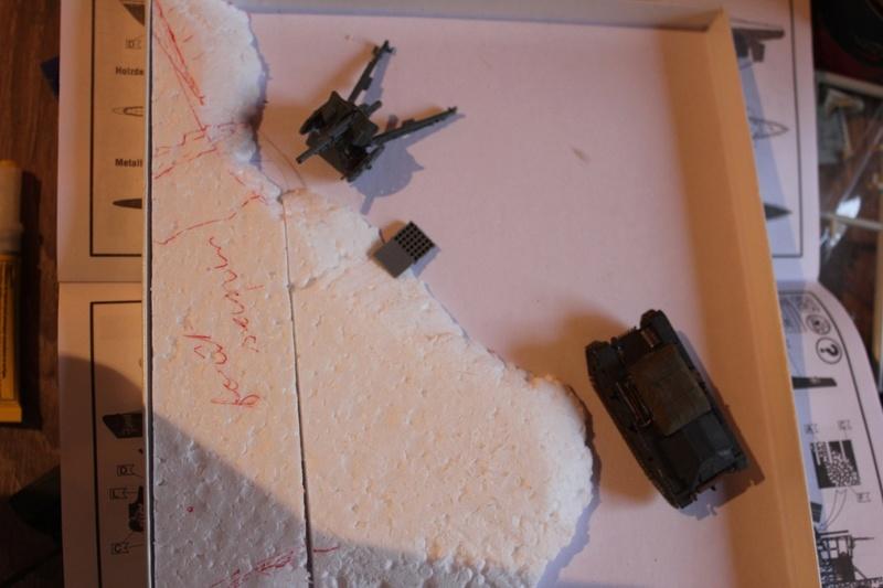 Diorama d'un leFH 18 en batterie au 1/72 Thumb269