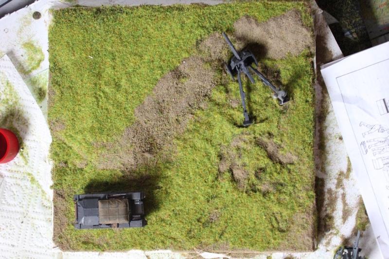 Diorama d'un leFH 18 en batterie au 1/72 Thumb271