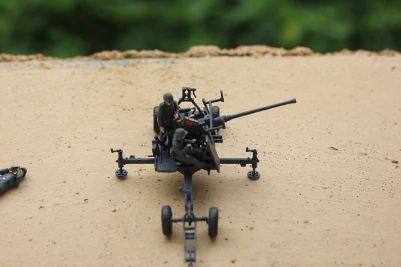 [zvezda] Bofors 40mm Mk.1/2 au 1/72 Thumb272