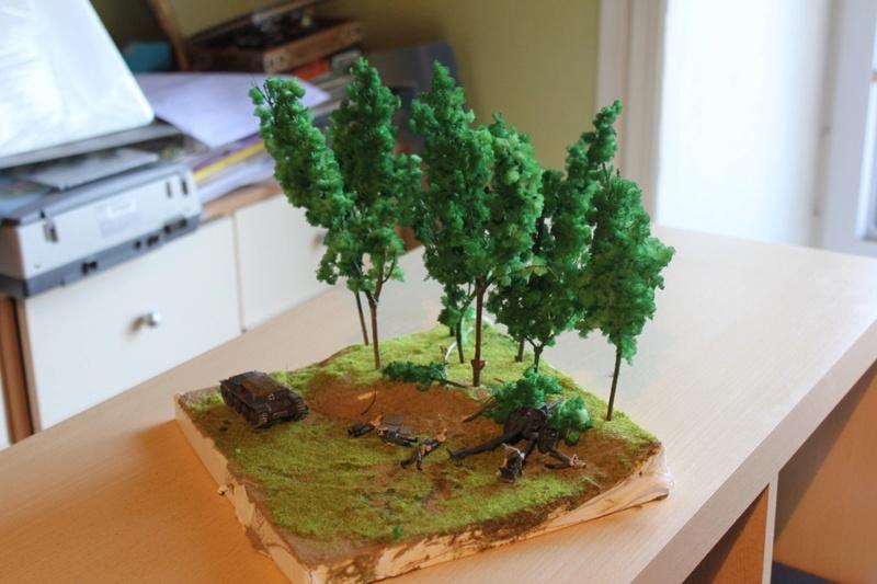 Diorama d'un leFH 18 en batterie au 1/72 Thumb359