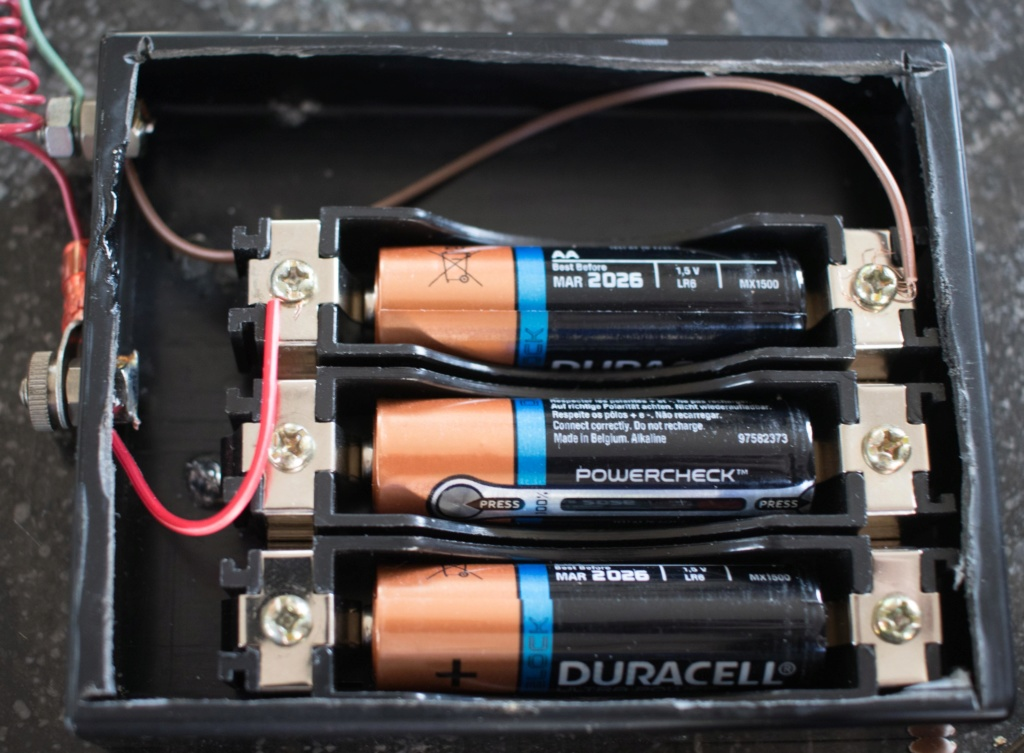 citizen - LE FIL ELECTRIQUE – LCD, Diapason, LED, Quartz, piles... à l'heure ! - Page 15 Img_6412