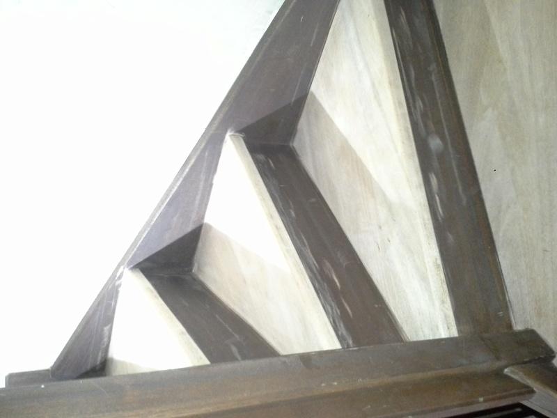Escalier noir et bois clair 510