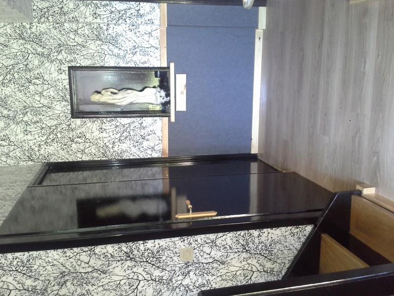 Escalier noir et bois clair 710