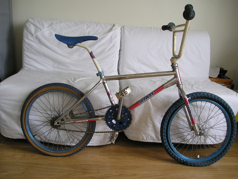 BMX Thunder TCX 2000 (stické et upgradé Skyway) 1983 P1010212