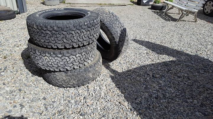 [A vendre] 4 pneus BFG all terrain 265/65/16 13412810