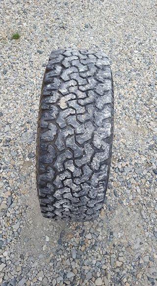 [A vendre] 4 pneus BFG all terrain 265/65/16 13445410