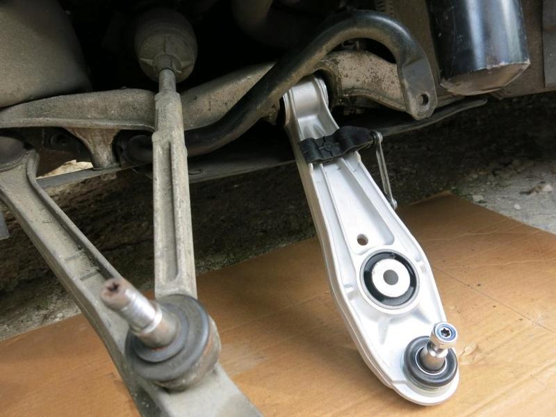 remplacement des bras de suspensions + hub/étriers de freins AV 1710