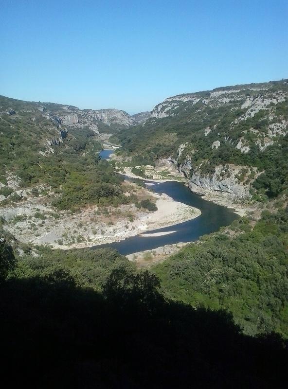 coin de pêche la baume à poulx département Gard La_bau19