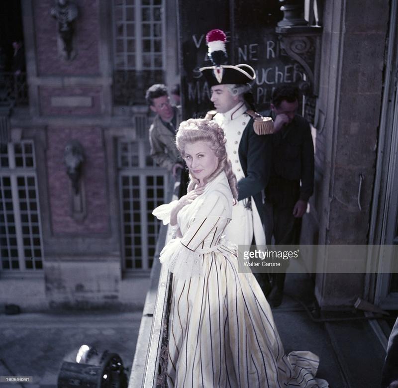 Marie Antoinette avec Michèle Morgan (Delannoy) - Page 10 Zlecl213