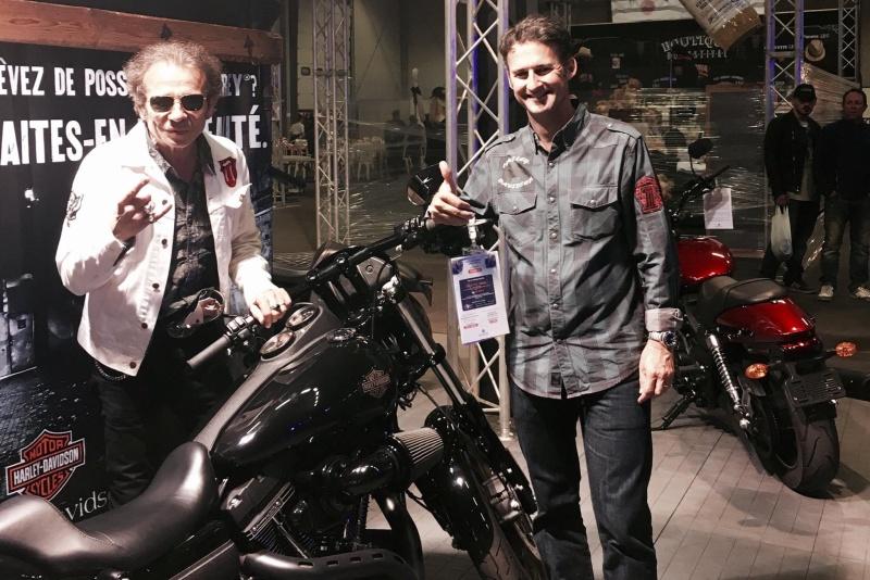 Ils ont posé avec une Harley, principalement les People - Page 39 Pmon_h10
