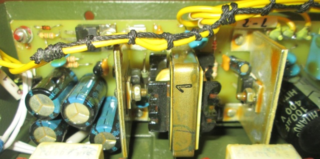 Радиостанции военного назначения Ea_20113