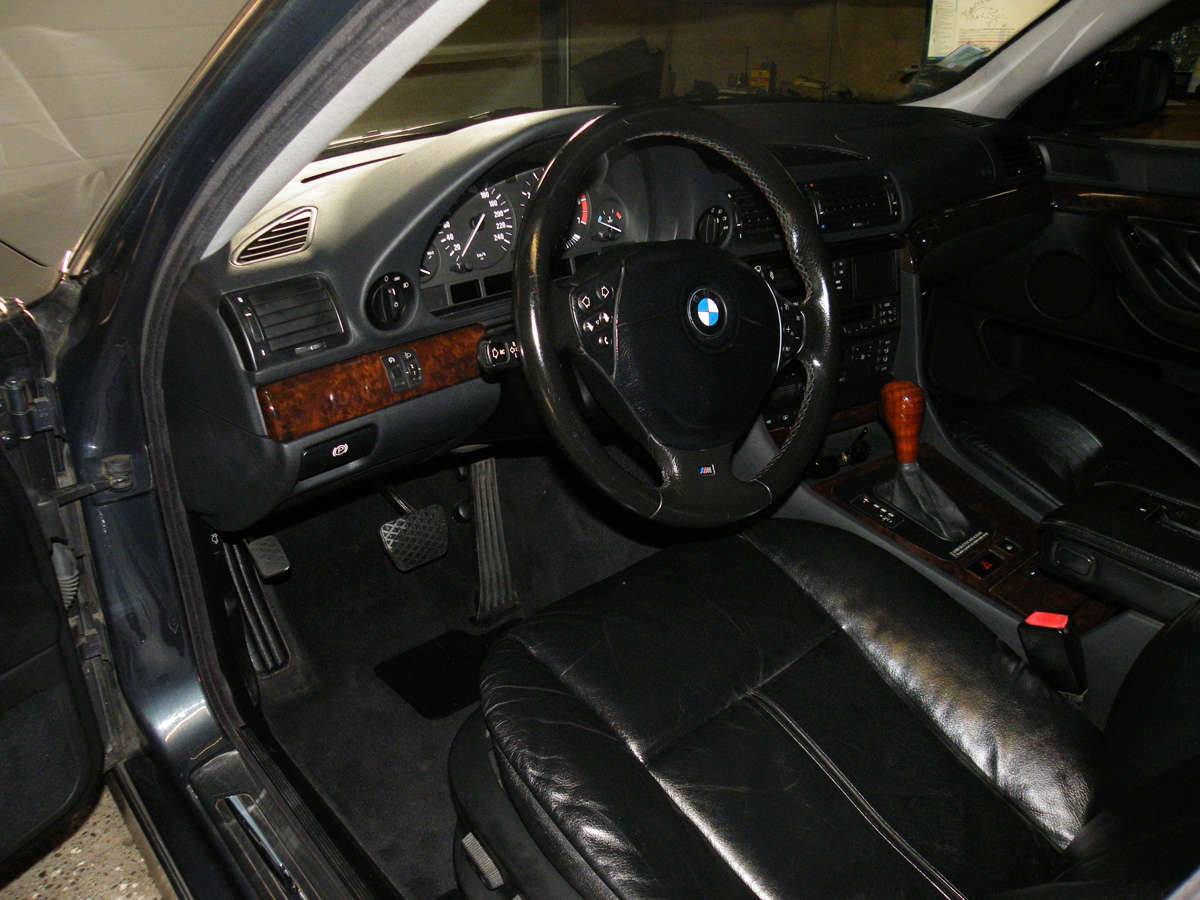 735IA E38 de 1999 Int08p10