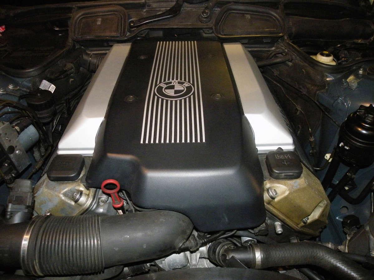 735IA E38 de 1999 Mot12p10