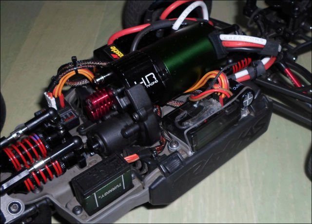 E-Revo's 1/16 Brushless 3S (380/540) - Page 12 1c10