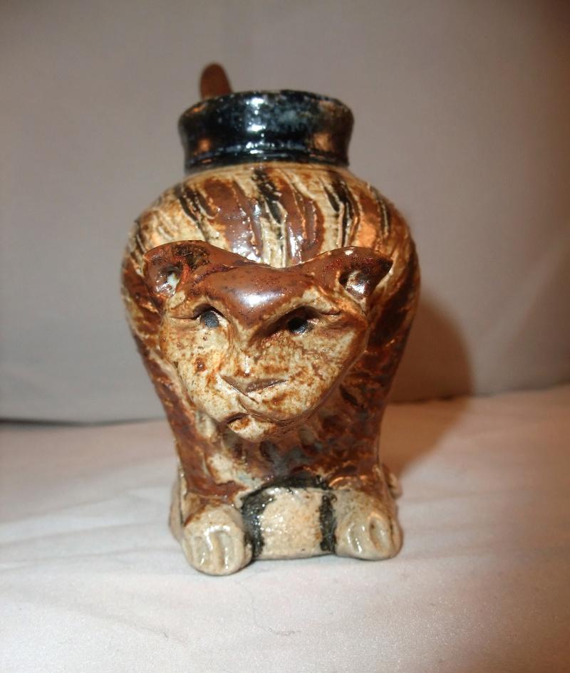 Salt Glazed Cat Pen/Brush Pot Dscf1011