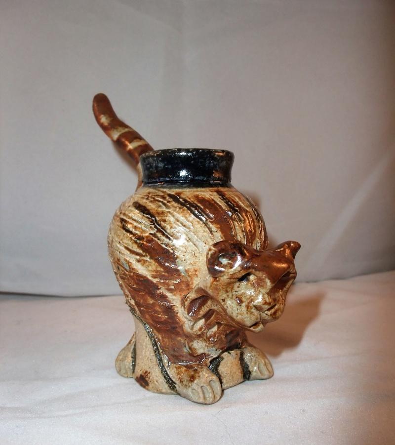 Salt Glazed Cat Pen/Brush Pot Dscf1013