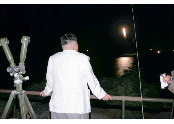 Corée du Nord - Page 4 2016-012