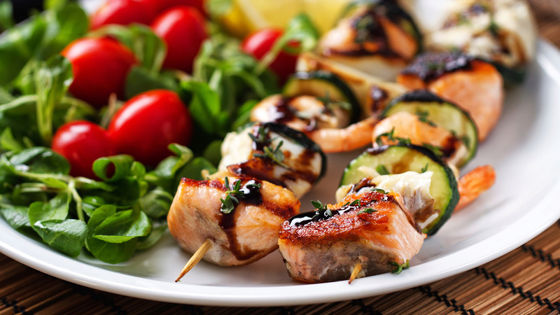 Plutôt salades ou barbecues ?  [CUISINE] Broche10