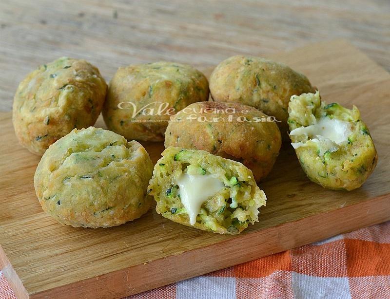 Boulettes de courgettes à la mozzarella [CUISINE] Polpe10