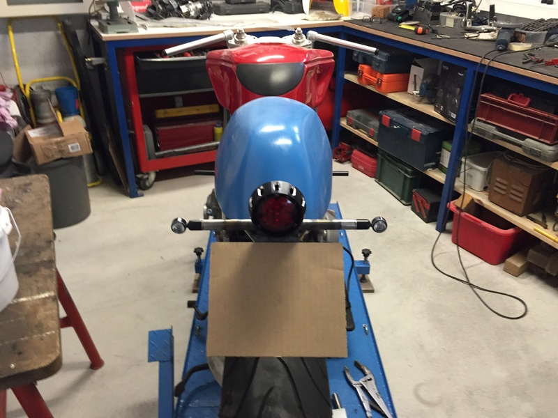 Projet ST2 / Café Racer - Page 5 Img_8767