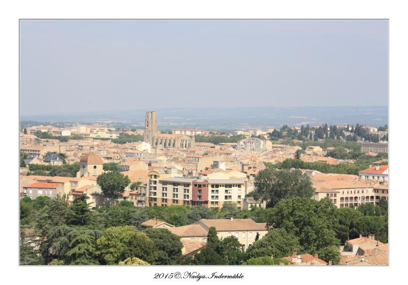 Carcassonne, et sa cité Cadre111