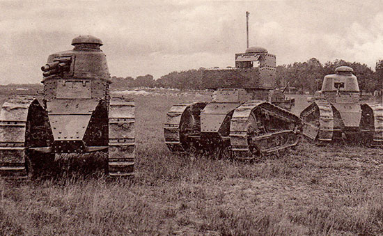 Le Renault FT, l'ancêtre des chars modernes...  Ft_les10