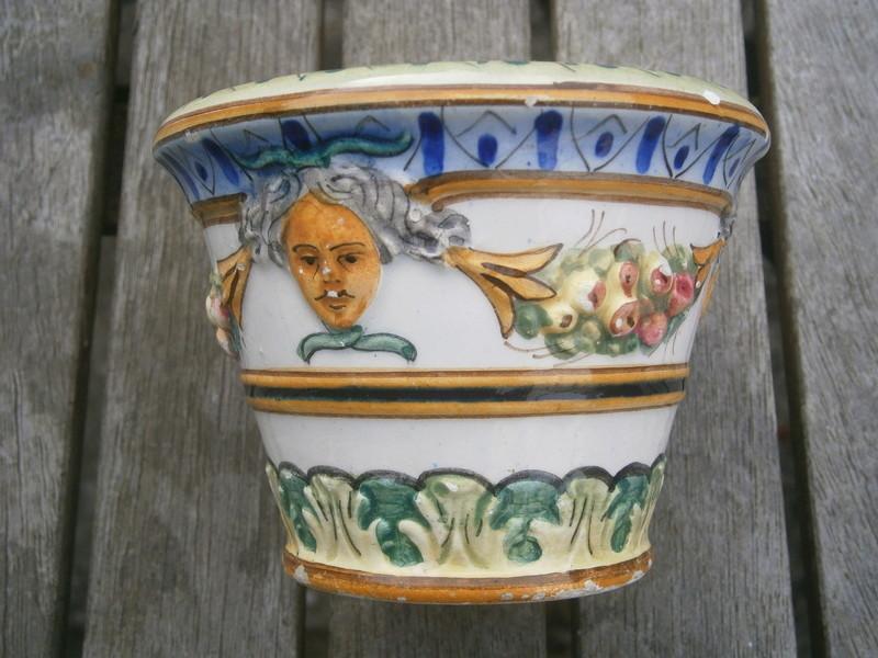 Italian majolica pot -  Società Ceramica Colonnata P7140510