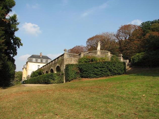 Le château de La Celle-St-Cloud 800px-11