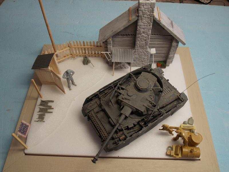 TIGRE S33  avant la bataille de Koursk juillet 43 (Dragon 1/35 dio DIODUMP) Dscn4545