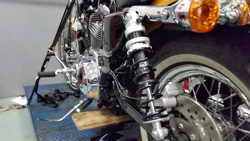 Avis sur les nouveaux amortisseurs Harley montés 2016 - Page 2 20160814