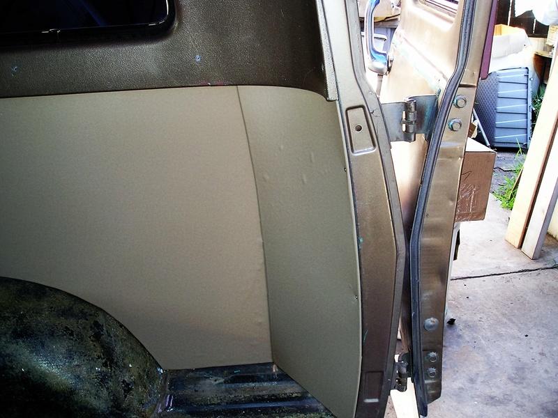 Russell's '66 Sportvan Deluxe Interi12