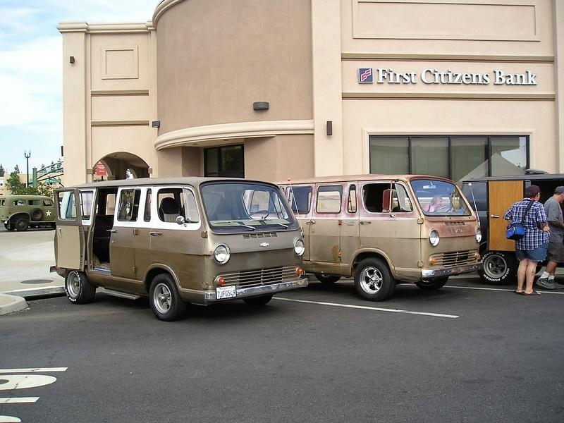 Russell's '66 Sportvan Deluxe P1010010
