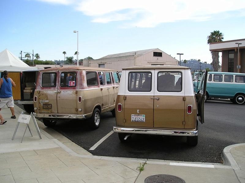 Russell's '66 Sportvan Deluxe P1010011
