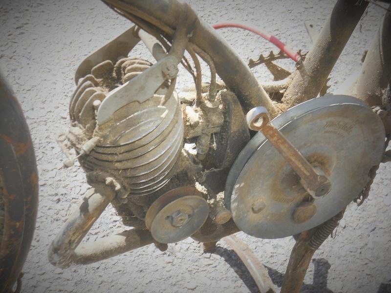 mobs vintage  ; motobécane AV3 1951 - Page 2 Dscn8658
