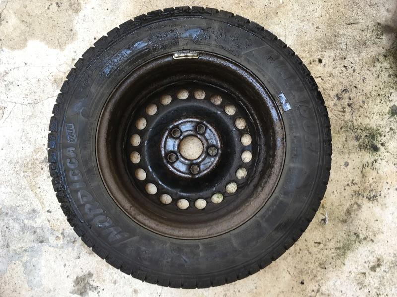 A vendre jantes tôles avec pneus démontés sur mon t5 Img_0010