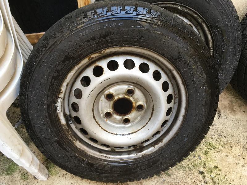 A vendre jantes tôles avec pneus démontés sur mon t5 Img_0011